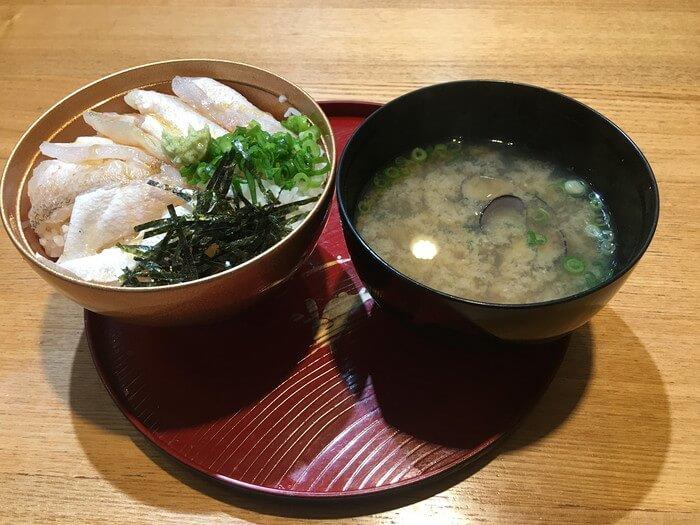 ノドグロ丼としじみ汁