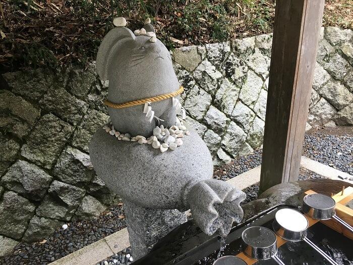 手水舎のウサギ(白兎神社)