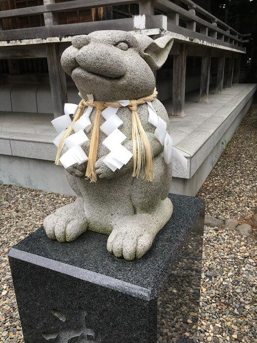 撫で兎別角度(湯倉神社)