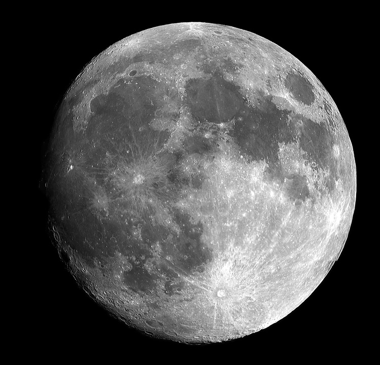 月にウサギを見るのは東アジアの感性